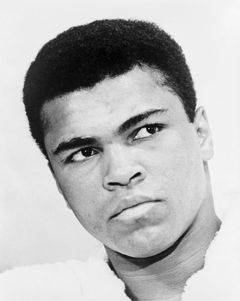 มูฮัมหมัด อาลี (Muhammad Ali) th.wikipedia.org