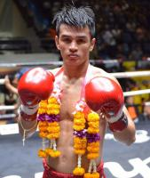 แสงพิชิต ทีเอ็มมวยไทย
